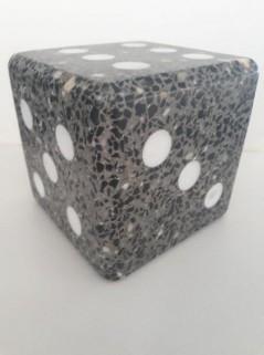 dobbelsteen van beton